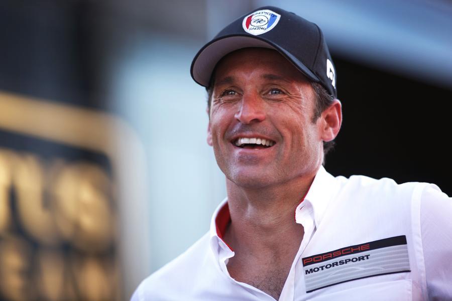 5. Patrick Dempsey (48 let)<br> 16 milionů dolarů<br><br>  Pro neurochirurga Dereka Shepherda v televizním seriálu Chirurgové (Grey's Anatomy) to byl velký rok. Herec podepsal smlouvu se  společností Porsche, Simmons Beautyrest a rakouským výrobcem brýlí Silhouette. Dempsey také ve svém volném čase závodí a účastnil se prestižního vytrvalostního automobilového závodu v Le Mans.