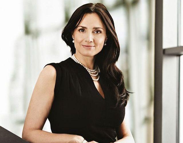 5. Michaela Chaloupková (39)<br>  ŘEDITELKA DIVIZE SPRÁVA, ČLENKA PŘEDSTAVENSTVA, ČEZ<br><br>  Od letošního roku jí v největší energetické společnosti v Česku, Skupině ČEZ, opět přibylo povinností. Po 12 letech působení v téhle firmě se od ledna stala šéfkou její druhé největší divize Správa, pod kterou spadá vedle nákupu (spravovala ho doteď) také personalistika, takže má teď na starosti přes 500 zaměstnanců. Její divizí proteče za rok 100 miliard korun. Navíc stále zůstává členkou představenstva a od konce roku 2013 se v ČEZ ještě dobrovolně stala CSR ambasadorkou.