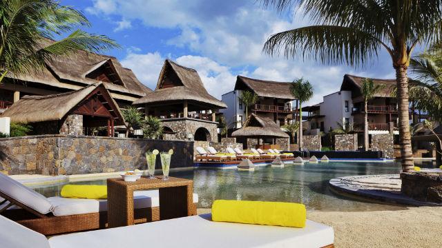 afrika_mauricius_hotel_angsana_Hi_ANMUBL_43978301_ANMUBL_FH_1111_MainPool_8385