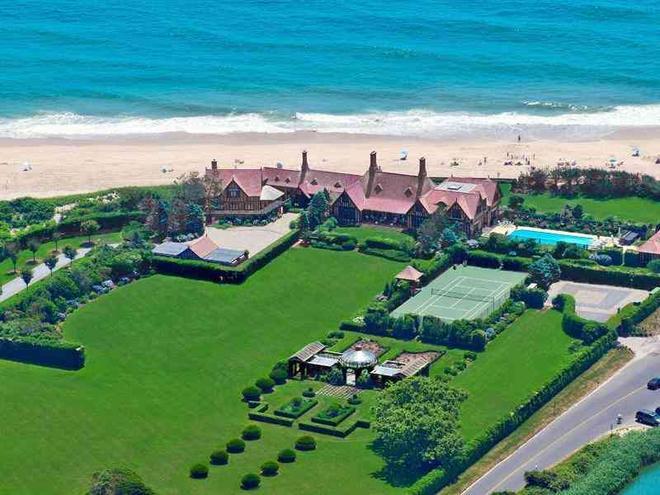 4. Wooldon Manor, Southampton, New York. Cena: Přes $80 mil. (1,9 mld. Kč) Prodávají: Scott A. Bommer. Kupující neznámý