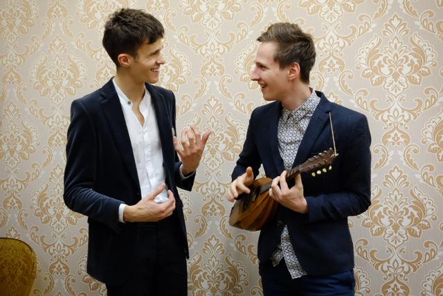 Frontman kapely Lake Malawi Albert Černý s kolegou Jeronýmem Šubrtem