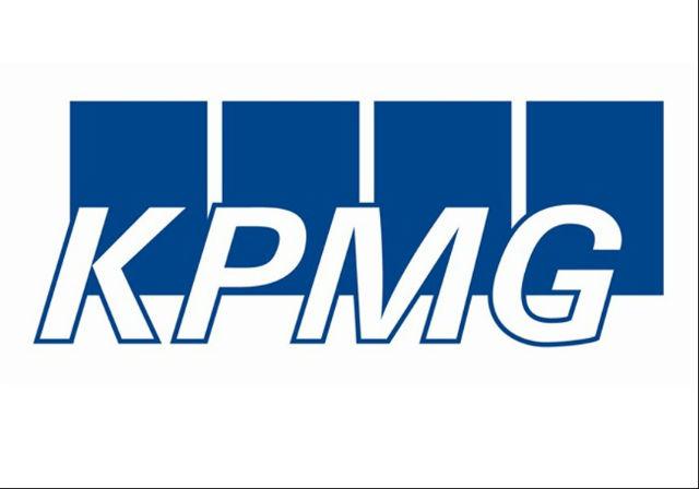 Další poradenská společnost KPMG zaměstnává 46 % žen, o deset procent méně jich je v senior managementu.