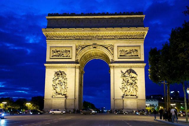 paříž done