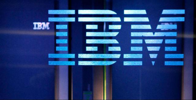 IBM (452. místo v žebříčku)  Nabízí opačný mentorský program, kdy mladší zaměstnanci mentorují zaměstnance ve vedoucích pozicích. Lidé tu také mohou využít bezplatné služby finančního poradenství nezávislých poradců.