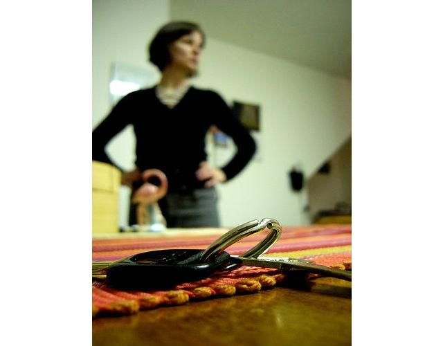 Dávejte si své věci - telefon, klíče, peněženku, kabelku… - stále na stejné místo. Ráno se tak vyhnete nepříjemným chvilkám, až tyhle věci nebudete moct při odchodu najít.