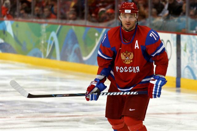 3. Ilja Kovalčuk, Rusko - 10,3 milionů dolarů. Ruský forvard předloni zmizel z NHL a podepsal v Petrohradu královskou smlouvu. Podle odhadů si vydělává přes 10 milionů dolarů za sezonu, přičemž daňové zatížení je na sportovce v Rusku mnohem mírnější než ve Spojených státech.