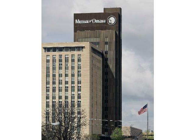 Mutual of Omaha (29. místo v žebříčku)  Nabízí svým zaměstnancům stravování ve fastfoodech přímo v budově společnosti a také masáž za 12 dolarů nebo služby fyzioterapeuta.