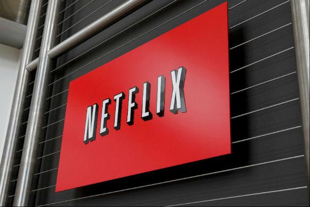 Netflix (372. místo v žebříčku) Zaměstnanci si mohou užívat neomezené dovolené a Netflix nabízí i možnost dát 100 % svého ročního platu do cenově zvýhodněných opcí na akcie.