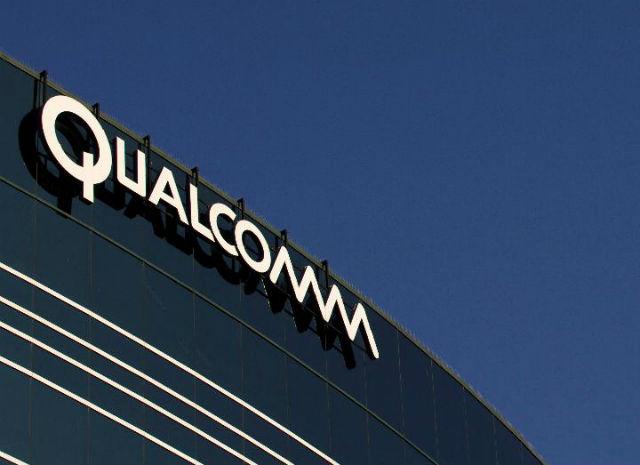 Qualcomm (114. místo v žebříčku)  Jakákoli skupinka čtyř a více zaměstnanců této telekomunikační společnosti může založit zájmový klub či skupinu a požádat o dotaci. Qualcomm má takových klubů na světě více než 200, jeden například sestavuje roboty.