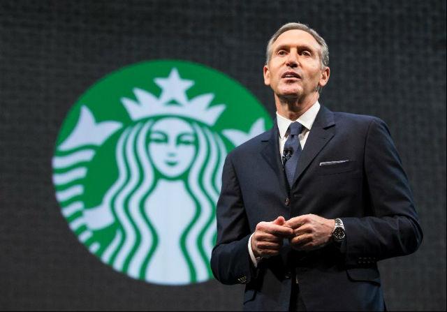 Starbucks (100. místo v žebříčku)  I při práci pouhých 20 hodin týdně získávají zaměstnanci bonusy jako například 4% příspěvek na důchodové pojištění. V roce 2014 také společnost oznámila, že bude dotovat studium v rámci online bakalářského programu University of Arizona.