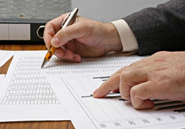 9. Finanční analytik