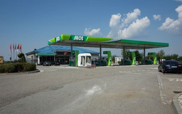 mol benzinka