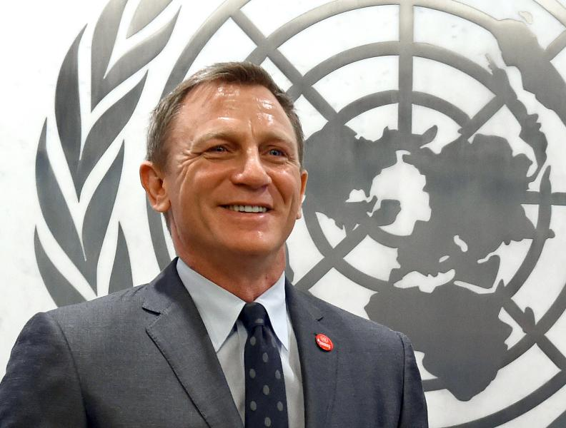 15.-16. Daniel Craig, 27 milionů dolarů