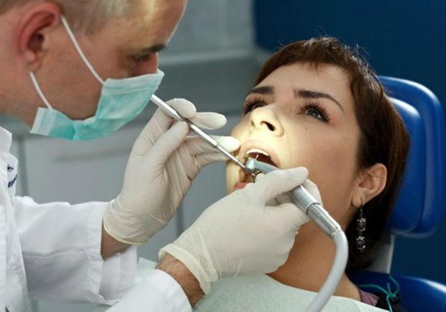 7. Specialista v oboru ortodoncie, průměrný roční plat: 129 110 dolarů (asi 3 227 750 korun). Předpokládaný nárůst pracovních příležitostí: 16 %.