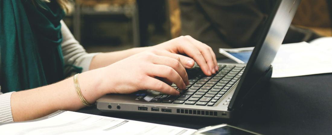 počítač psaní