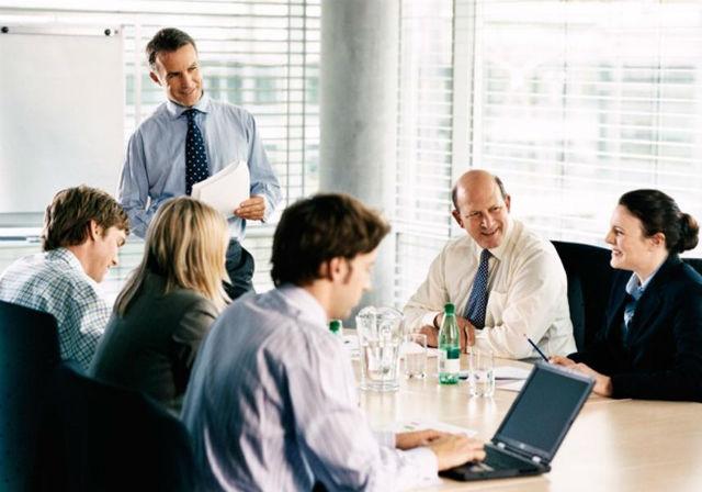 4. Výkonný manažer v korporaci (Corporate executive), průměrný roční plat: 173 320 dolarů (asi 4 333 000 korun). Předpokládaný nárůst pracovních příležitostí: 11 %.