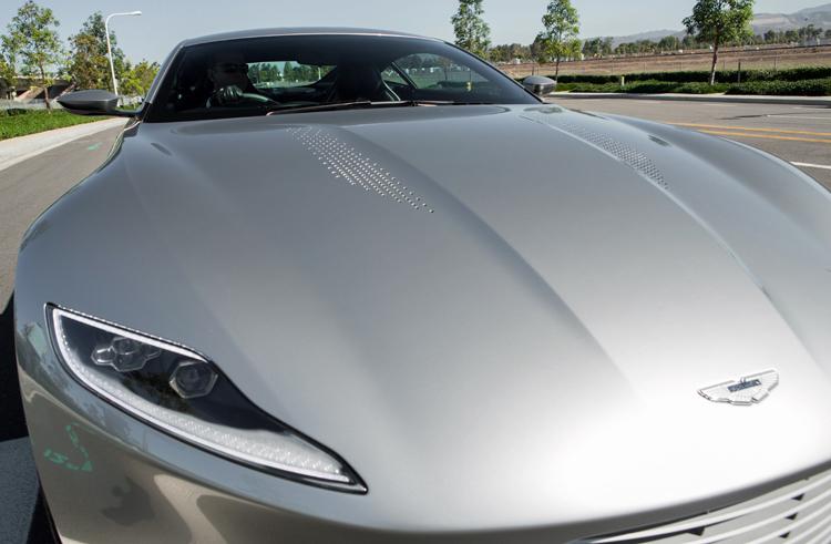 Aston-Martin-DB10-James-Bond-Hood