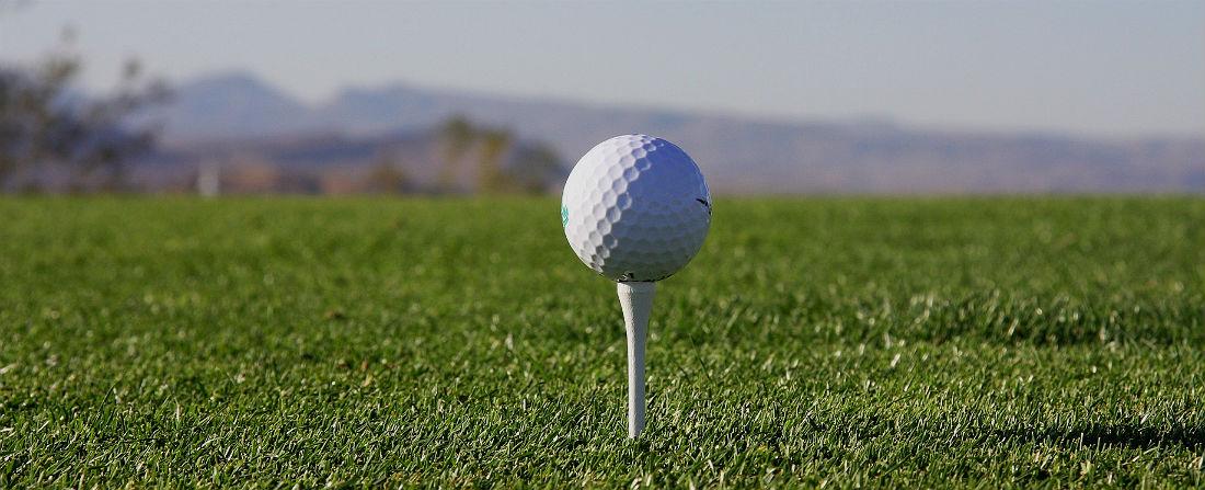golf míček