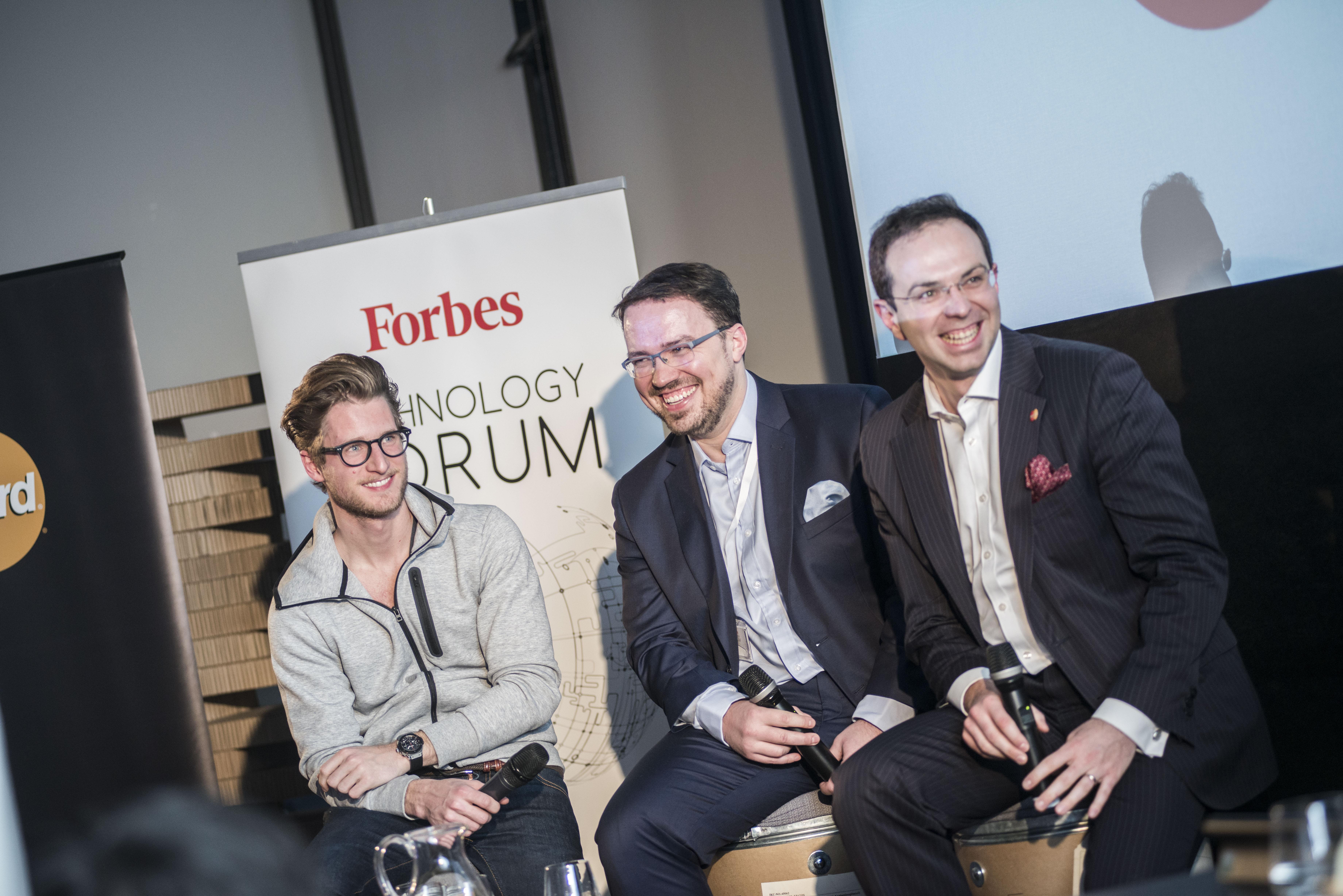 V druhém panelu dále vystoupili Miroslav Lukeš, generální ředitel pro ČR a SR společnosti Mastercard (vlevo) a Miroslav Uďan, zakladatel společnosti Shoptet (uprostřed)