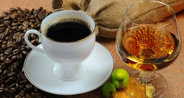 kafe a alkohol