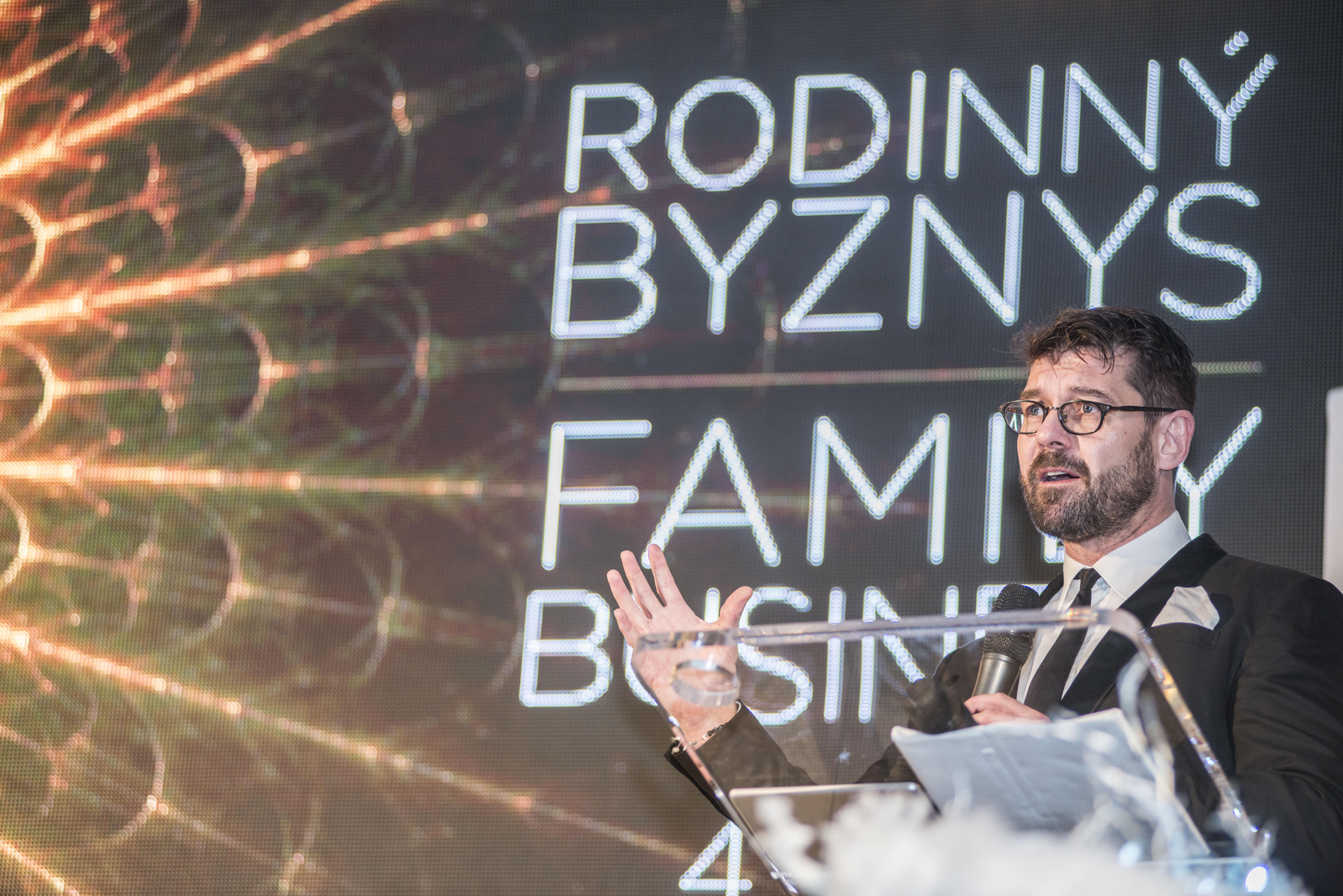 Petr Šimůnek, šéfredaktor časopisu Forbes a moderátor večera.
