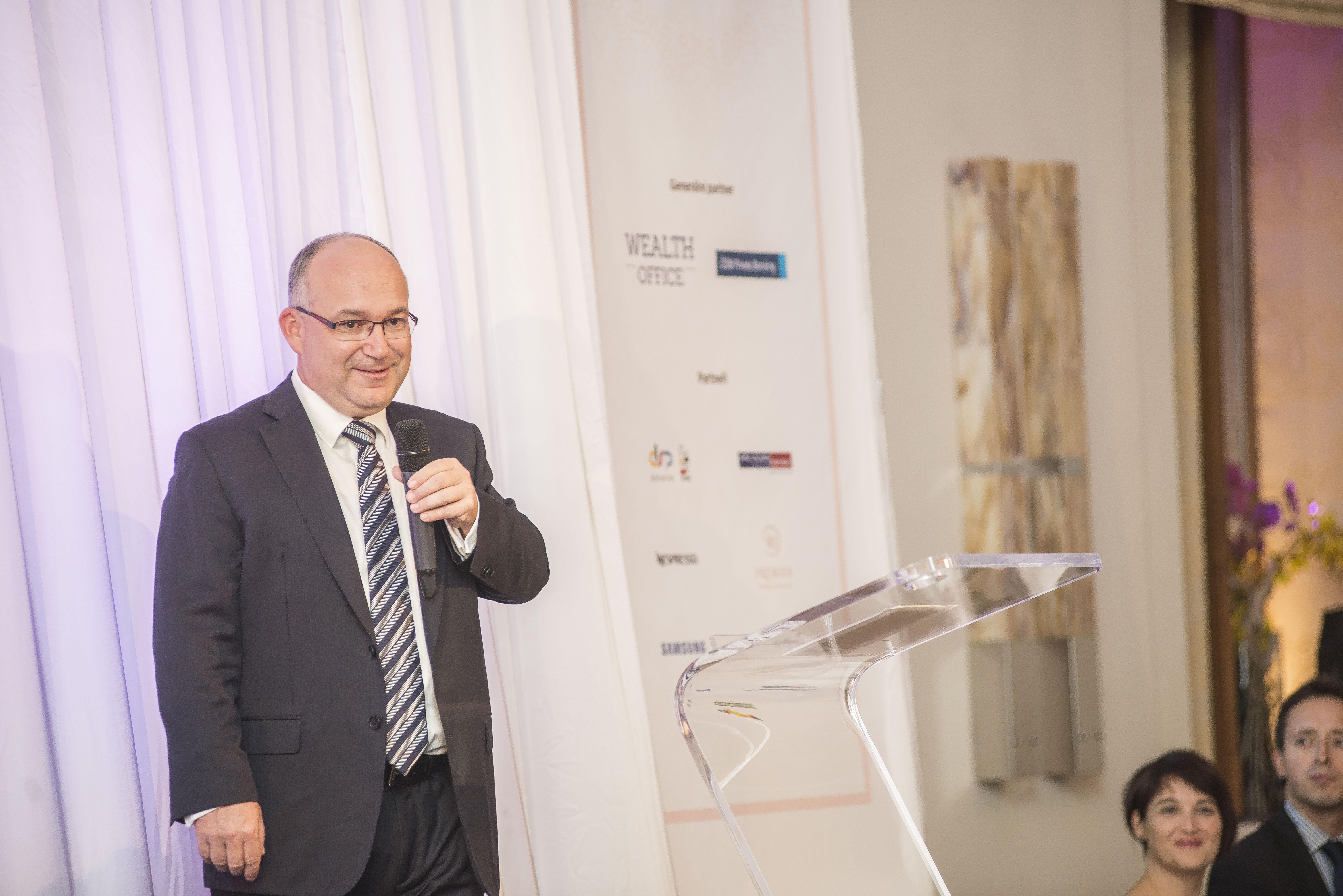 Zástupce generálního partnera večera ČSOB Private Banking, Pavel Tichý, krátce promluvil na začátku večera