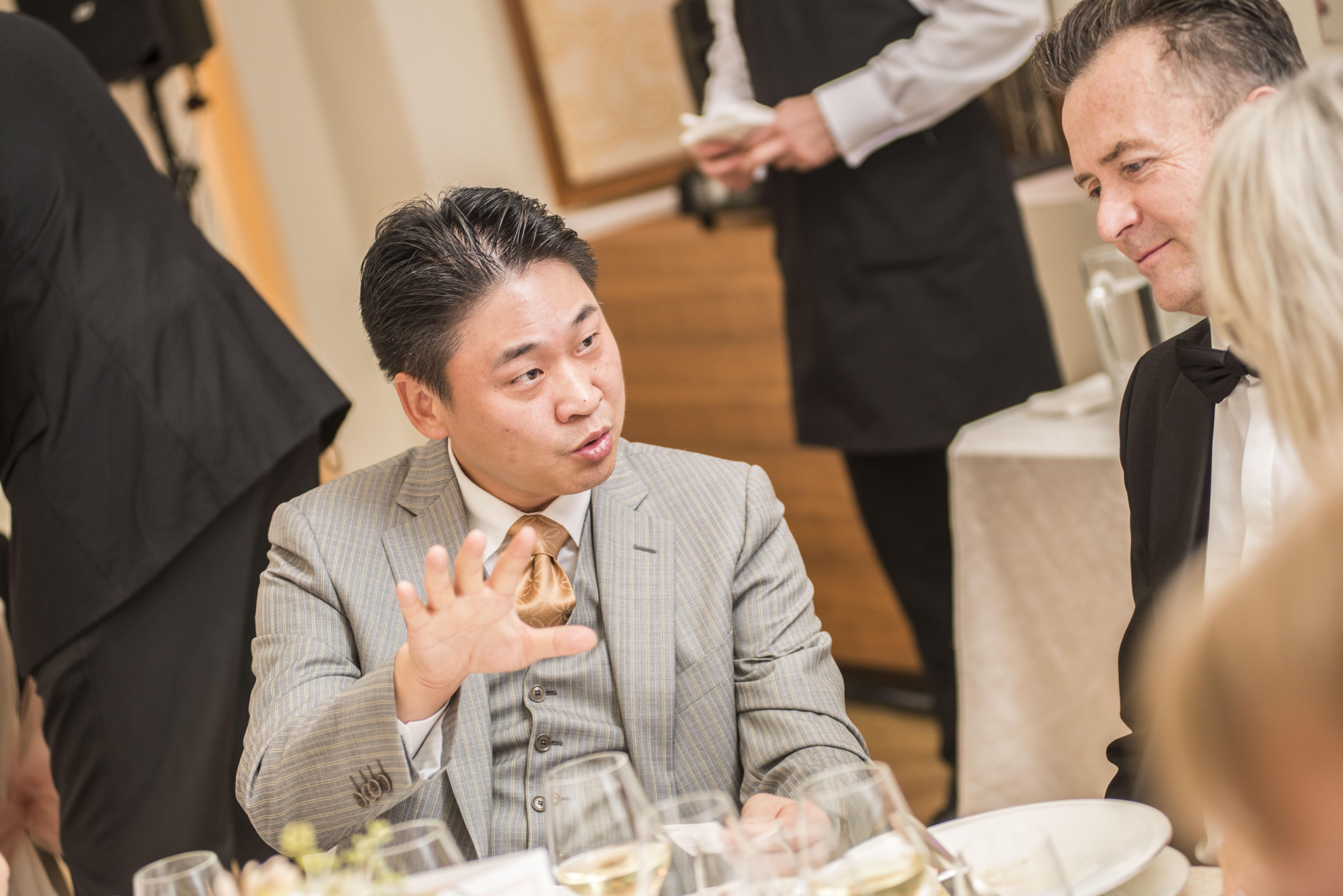 Hun Lee, prezident společnosti Samsung pro Českou a Slovenskou republiku, zástupce partnera večera