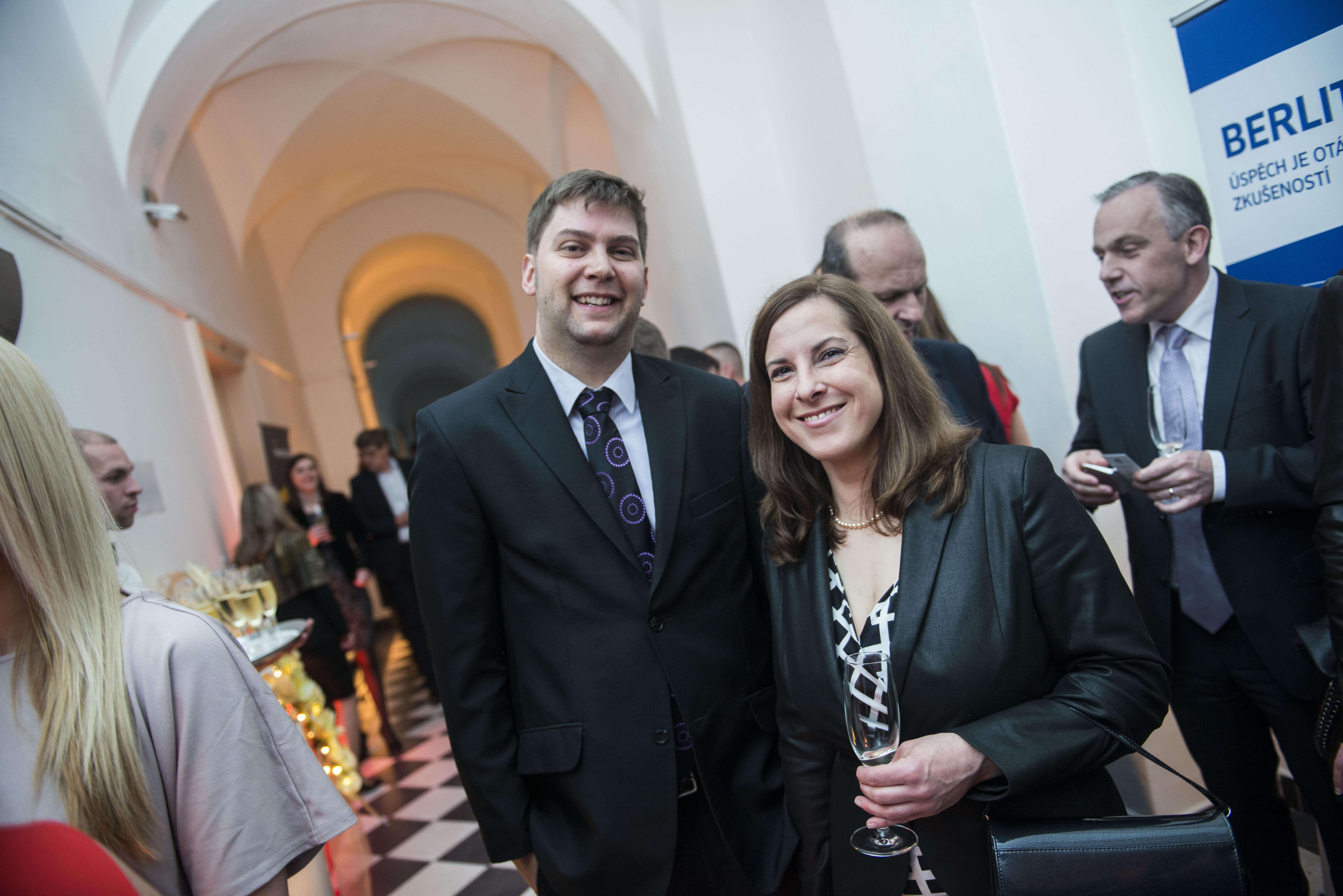 Kateřina Hemalová a Justin Velner ze společnosti Berlitz.