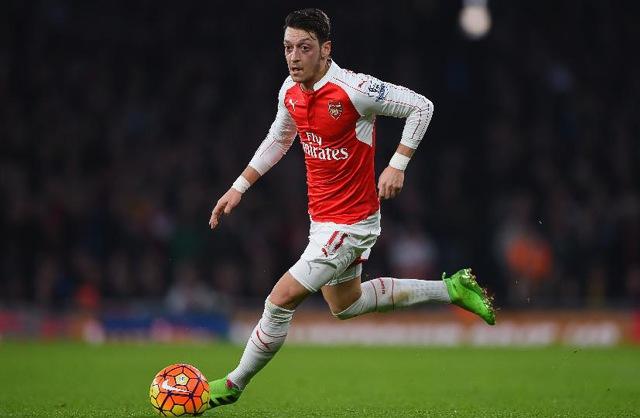 15. Mesut Özil, Arsenal | Němec | výdělek: 18 mil. USD