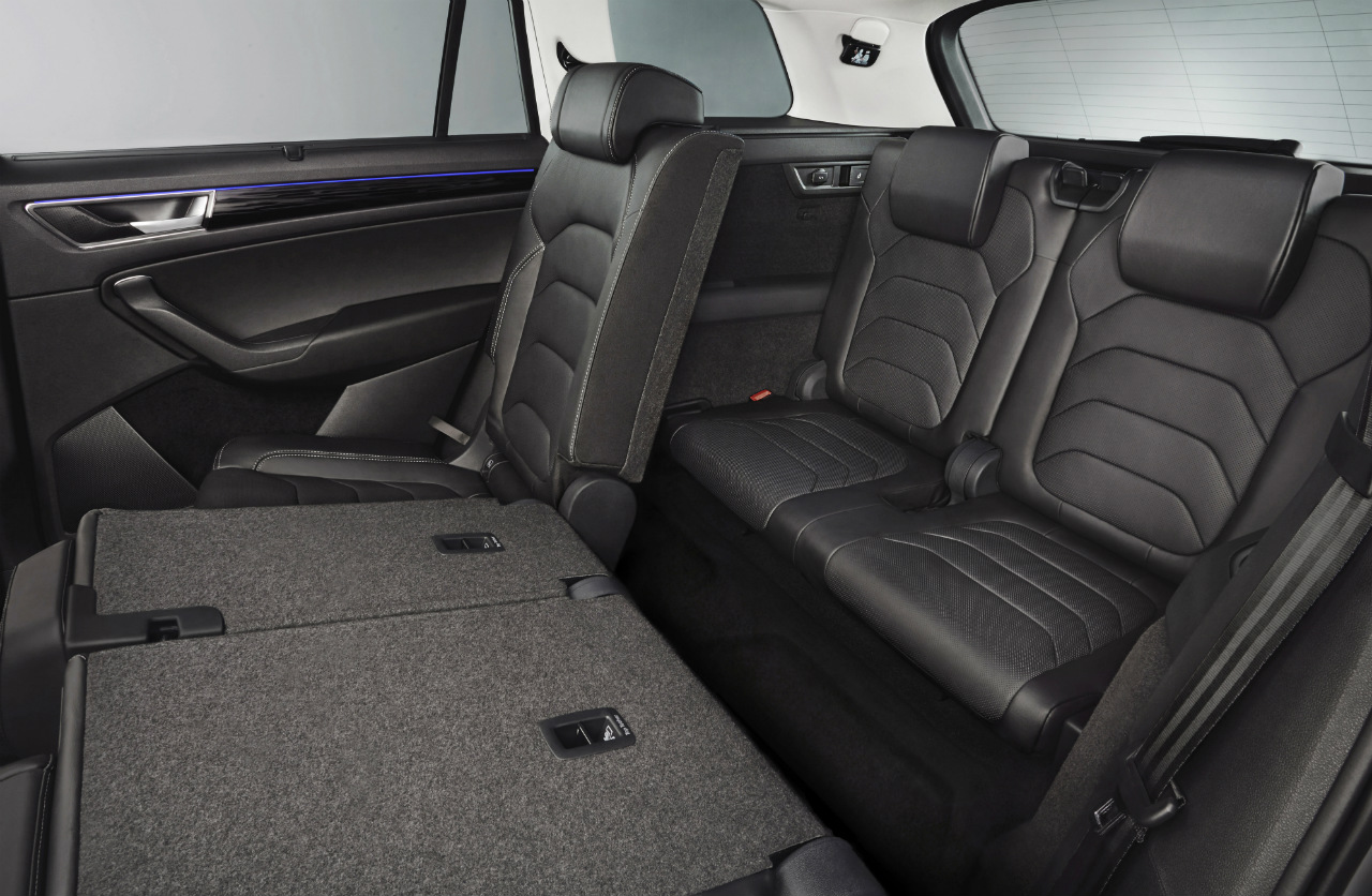 Vůz může být na přání vybaven třetí řadou sedadel a je potom sedmimístný.