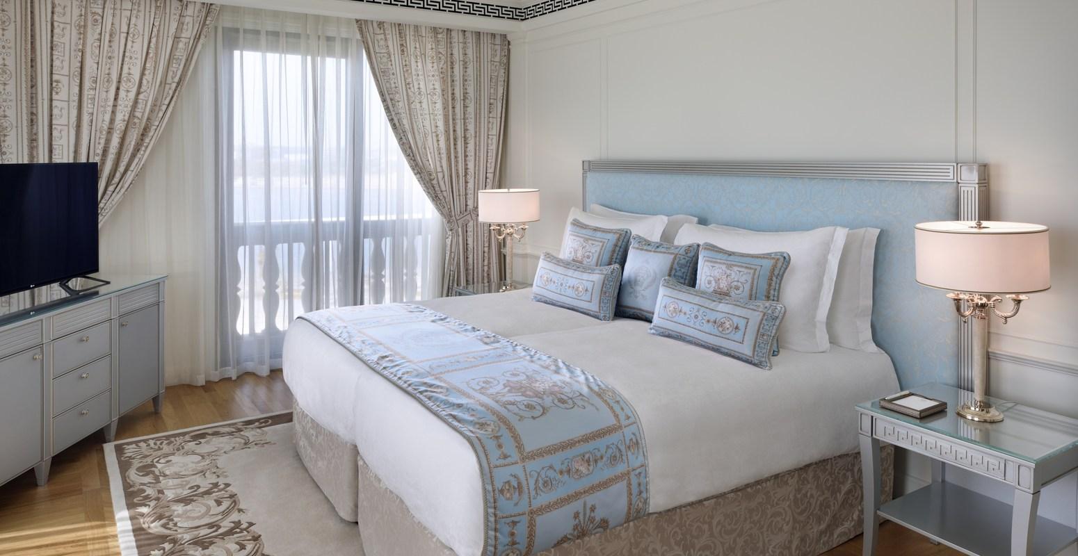residences-__thumbs_1550_800_crop-4_bedroom_residence