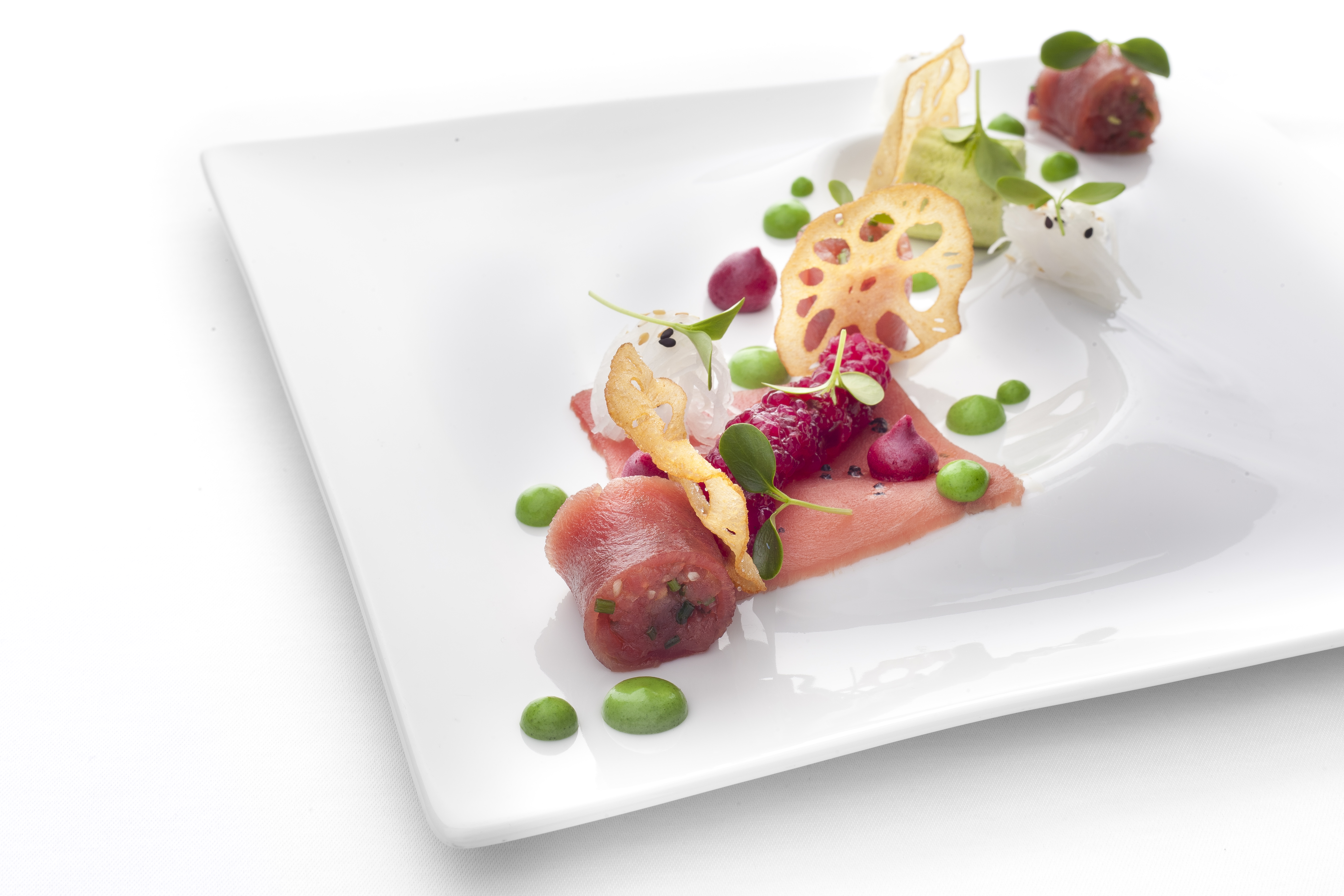 Tuna sashimi with tapioca, daikon and parsley mayonnaise