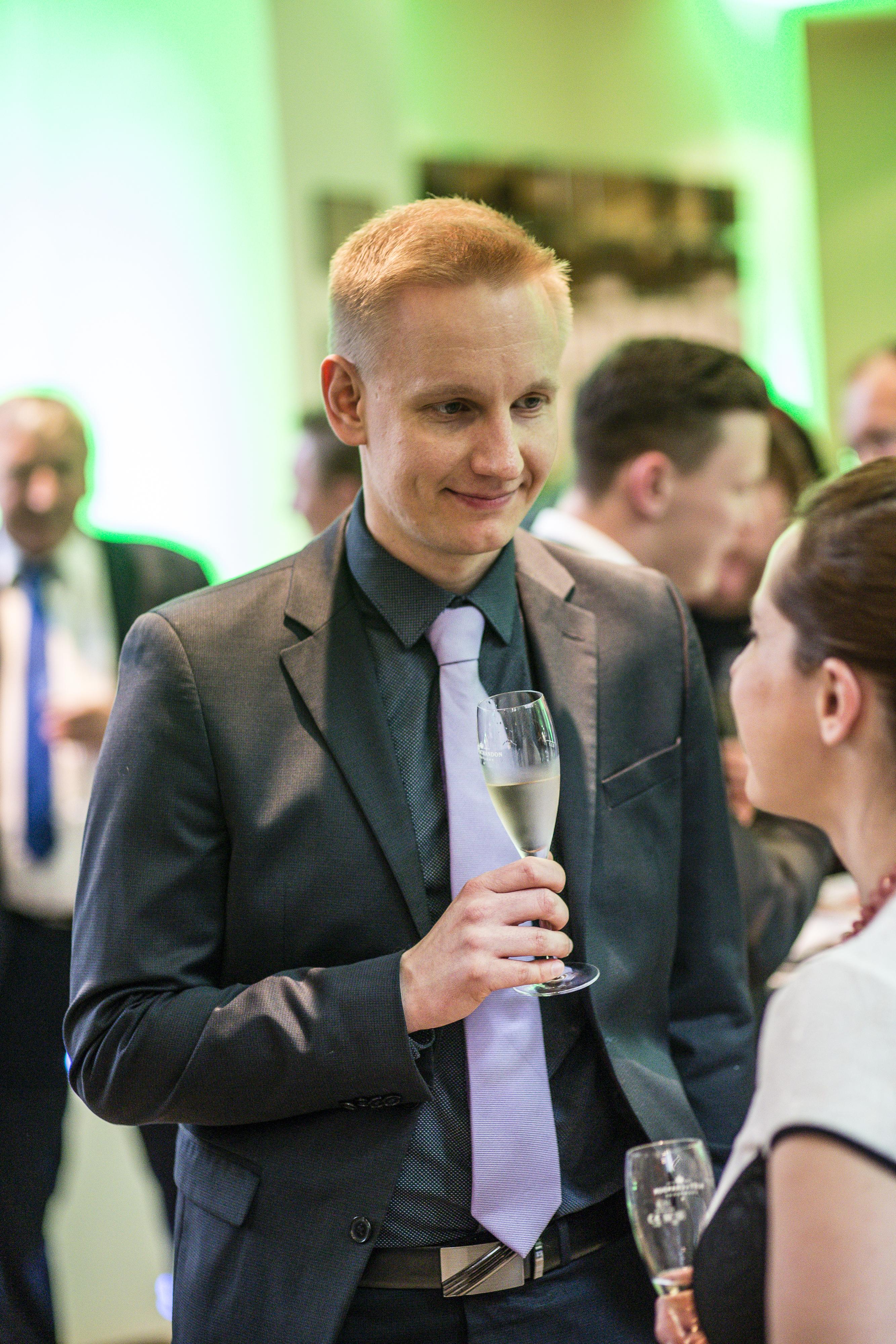 Ředitel vzdělávacího a jazykového centra Berlitz Praha Michal Nadzon při networkingu.