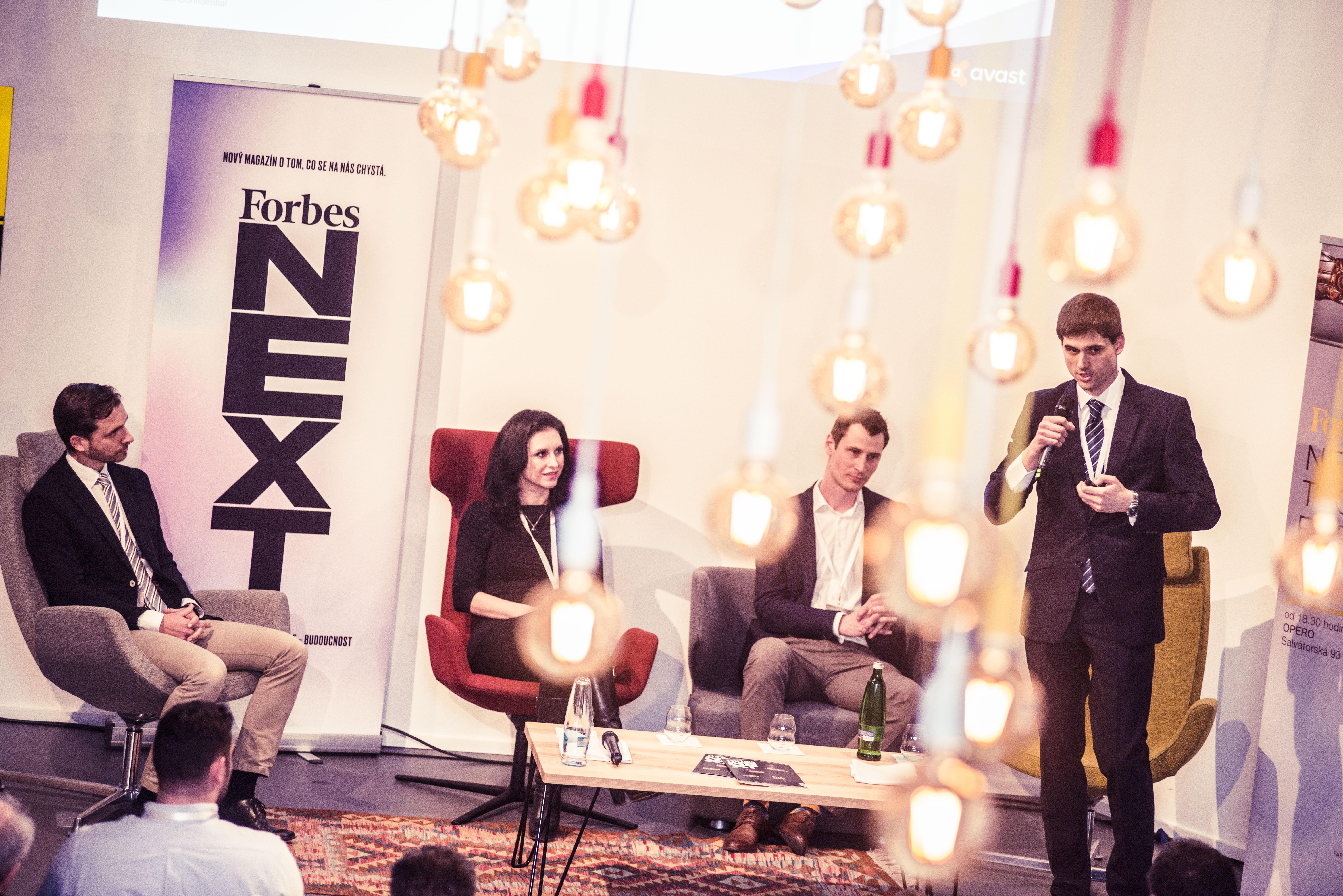 Řečníci zleva: Marian Driensky (SodatSW), Vladimíra Tesková (TeskaLabs), Petr Černohorský (Cisco Systems s.r.o.) a Martin Vejmelka (Awast Software s.r.o.)