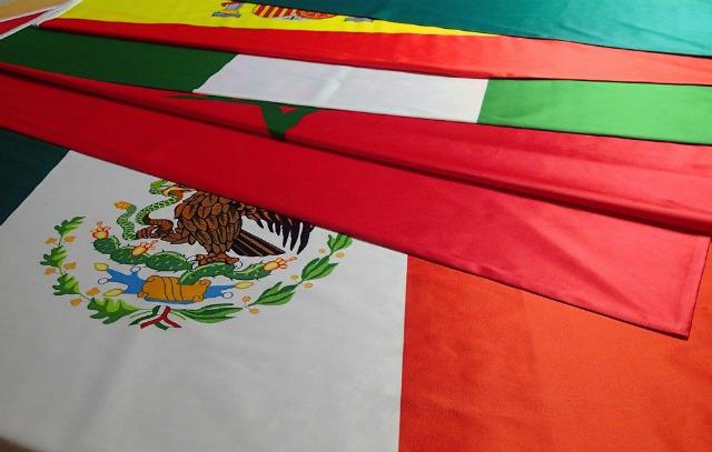 Saténové-vlajky