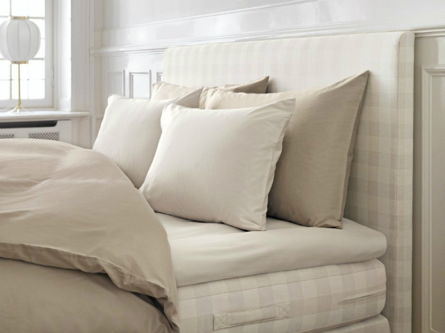 HASTENS_BEDDING_F_M