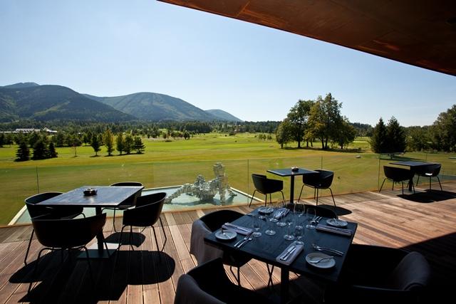 24. Restaurant - terrace (1)