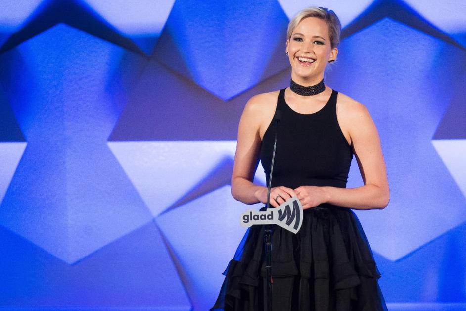 3. JENNIFER LAWRENCE, 24 mil. USD - Dokonce i bez příjmů za trilogii Hunger Games se dostala na pódium, hlavní díl příjmů tvoří očekávaný snímek Mother! a smlouva s Diorem.
