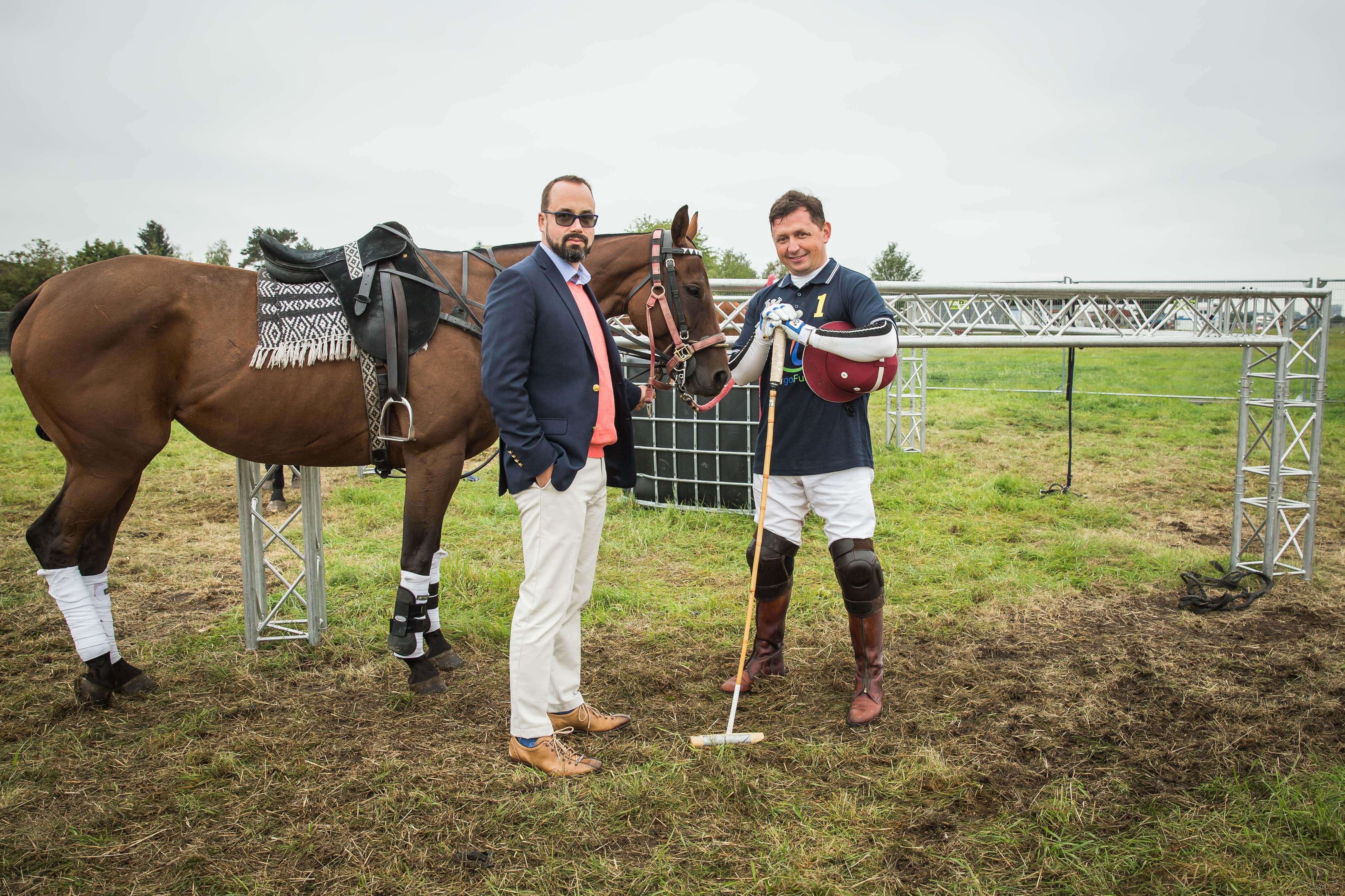Hlavní pořadatel turnaje Milan Nebuchla (vpravo) a partner turnaje Vratislav Urbášek, vedoucí partner advokátní kanceláře Urbášek & Partners.