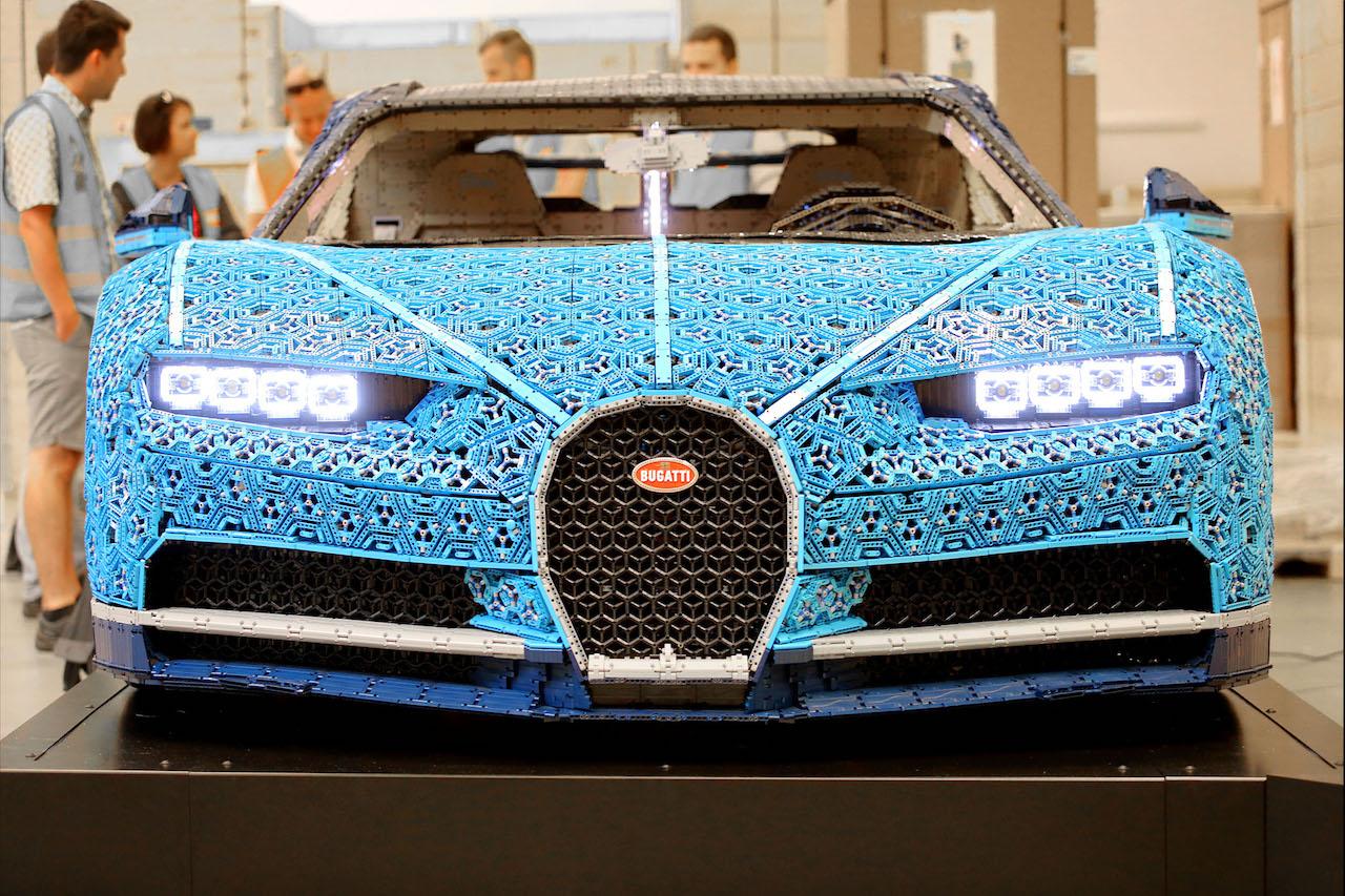 Bugatti Chiron postavený z Lega